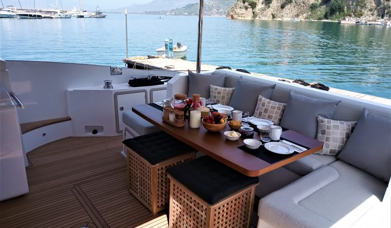 AZIMUT 66 FLY completo